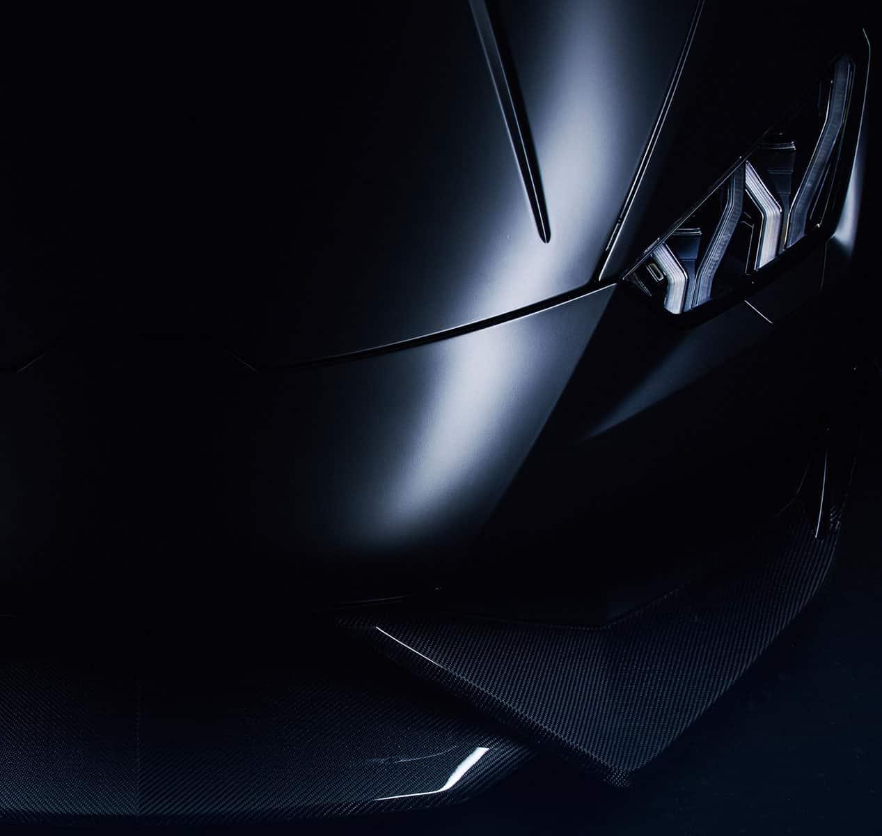 Ausschnitt eines Lamborghinis von vorne Neueskachel KASSANDRA